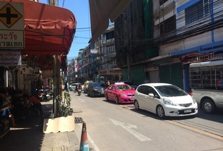 For Sale 3 Beds Shophouse in Khlong Toei, Bangkok, Thailand
