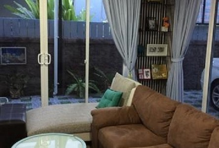 For Sale 4 Beds House in Bangkok, Central, Thailand