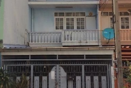 For Sale 3 Beds Townhouse in Bang Kho Laem, Bangkok, Thailand