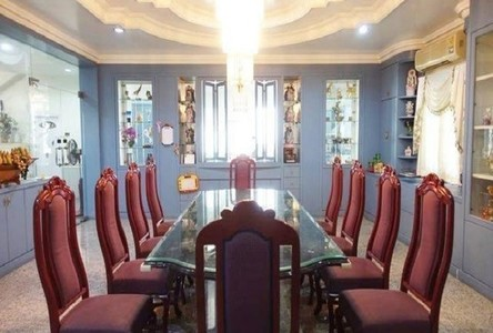 For Sale 6 Beds House in Bangkok, Central, Thailand
