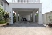 For Rent 3 Beds 一戸建て in Khlong San, Bangkok, Thailand