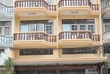 For Rent Office 101 sqm in Khlong San, Bangkok, Thailand