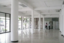 For Rent Shophouse 160 sqm in Sathon, Bangkok, Thailand