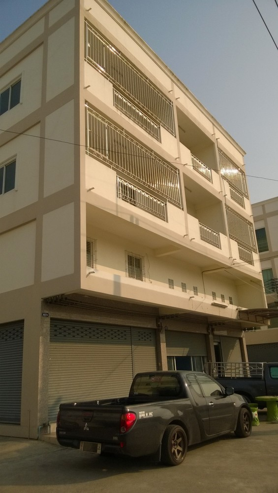 For Sale 3 Beds Shophouse in Mueang Nakhon Pathom, Nakhon Pathom, Thailand   Ref. TH-QSAWCPOI