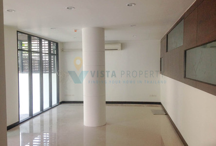 For Rent Shophouse 60 sqm in Watthana, Bangkok, Thailand