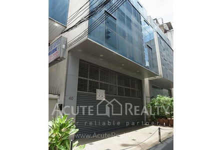 For Sale or Rent Office 1,000 sqm in Bang Rak, Bangkok, Thailand