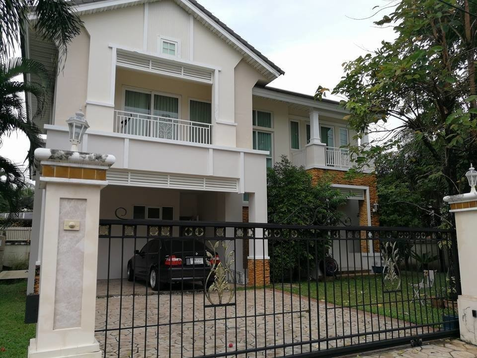 For Sale 4 Beds House in Prawet, Bangkok, Thailand   Ref. TH-TPENSKAM