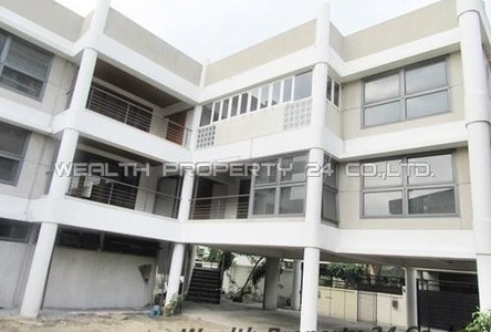 For Rent 8 Beds House in Watthana, Bangkok, Thailand