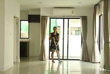 For Rent 3 Beds タウンハウス in Phasi Charoen, Bangkok, Thailand