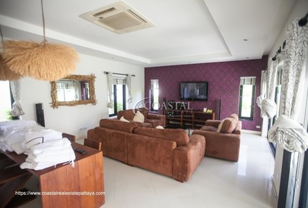 For Sale 3 Beds 一戸建て in Sattahip, Chonburi, Thailand
