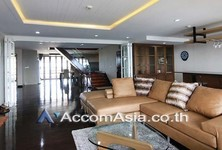 For Sale or Rent 4 Beds Condo in Phaya Thai, Bangkok, Thailand
