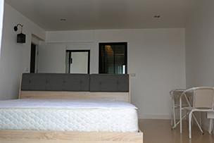 For Sale 1 Bed コンド in Cha Am, Phetchaburi, Thailand | Ref. TH-CNZPYLNO