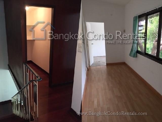 For Rent 2 Beds 一戸建て in Sathon, Bangkok, Thailand | Ref. TH-YMRVNCUA