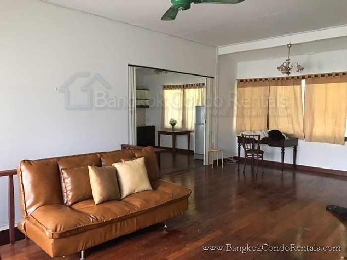 В аренду: Дом с 4 спальнями в районе Khlong Toei, Bangkok, Таиланд   Ref. TH-JOLFSJHJ