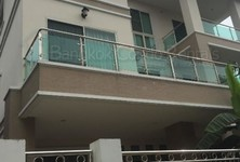 For Rent 6 Beds House in Khlong Toei, Bangkok, Thailand