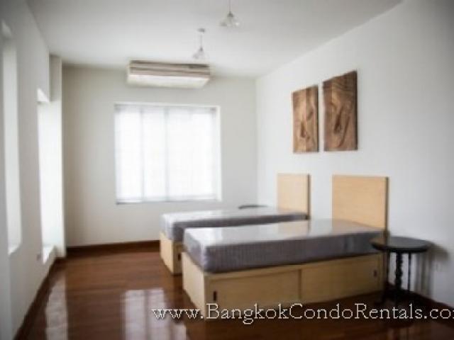 ให้เช่า บ้านเดี่ยว 5 ห้องนอน คลองเตย กรุงเทพฯ   Ref. TH-UWEMLOEL