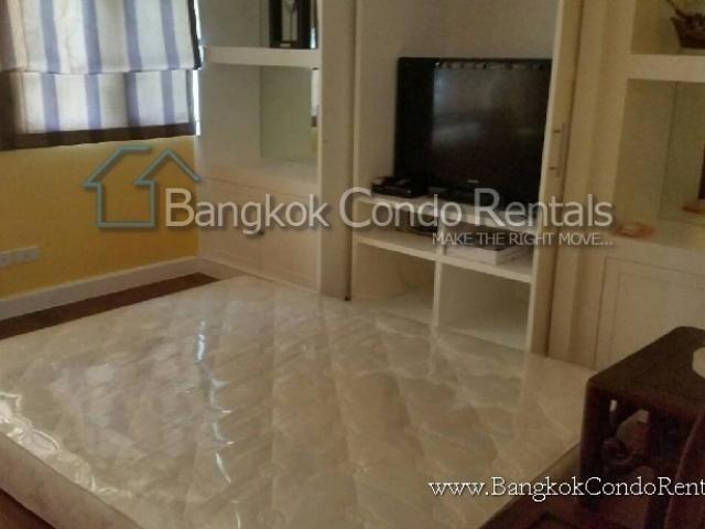 For Rent 3 Beds タウンハウス in Khlong Toei, Bangkok, Thailand | Ref. TH-RNPCNILJ