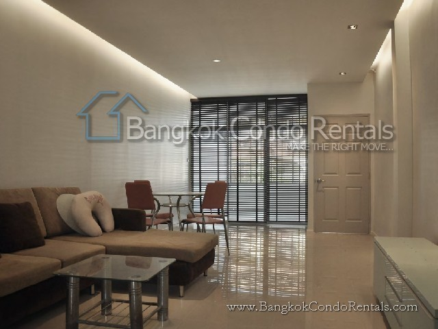 В аренду: Таунхаус с 2 спальнями в районе Khlong Toei, Bangkok, Таиланд | Ref. TH-LYQWRBGU