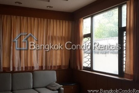 For Sale or Rent 4 Beds House in Huai Khwang, Bangkok, Thailand