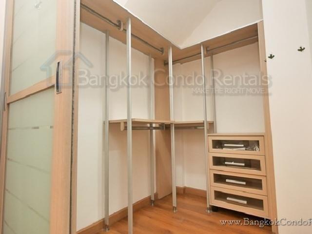 Продажа или аренда: Таунхаус с 3 спальнями в районе Bang Kho Laem, Bangkok, Таиланд | Ref. TH-NGMEVOWU