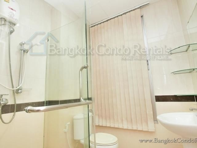 For Sale or Rent 3 Beds Townhouse in Bang Kho Laem, Bangkok, Thailand | Ref. TH-NGMEVOWU