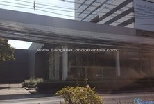 For Sale or Rent Office 1,830 sqm in Watthana, Bangkok, Thailand