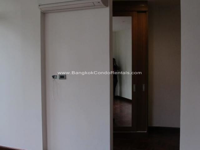 В аренду: Дом с 4 спальнями в районе Khlong Toei, Bangkok, Таиланд | Ref. TH-BKZNFJPO