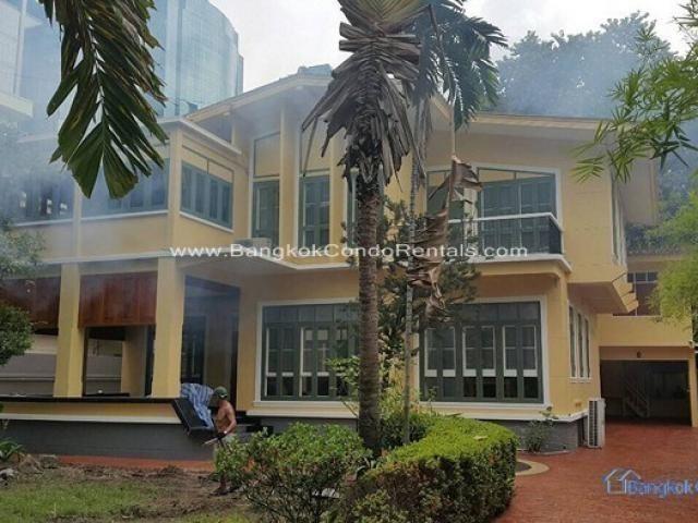 В аренду: Дом с 3 спальнями в районе Khlong Toei, Bangkok, Таиланд | Ref. TH-TLQHZKXC