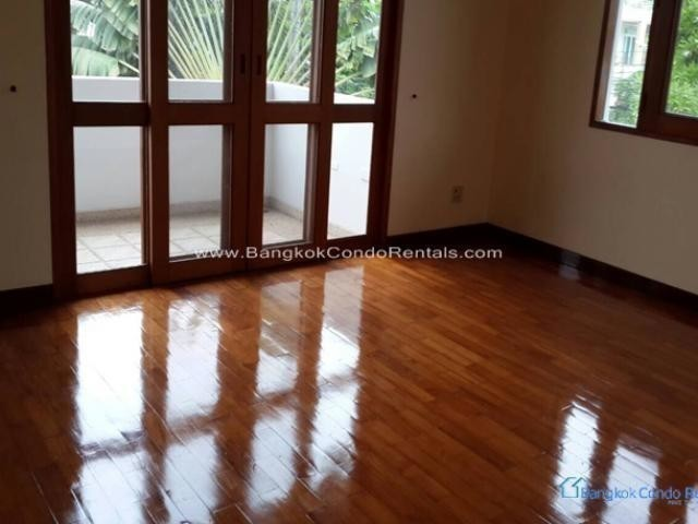 For Sale or Rent 4 Beds House in Prawet, Bangkok, Thailand | Ref. TH-FARSURKS