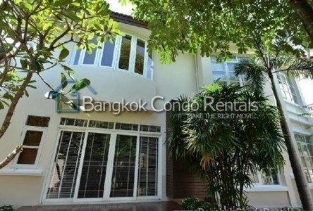 For Rent 4 Beds House in Huai Khwang, Bangkok, Thailand