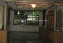 For Rent 9 Beds House in Khlong Toei, Bangkok, Thailand