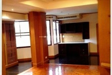 For Rent 4 Beds Townhouse in Khlong Toei, Bangkok, Thailand