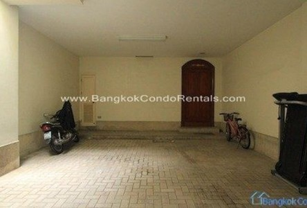 For Rent 3 Beds Townhouse in Khlong Toei, Bangkok, Thailand