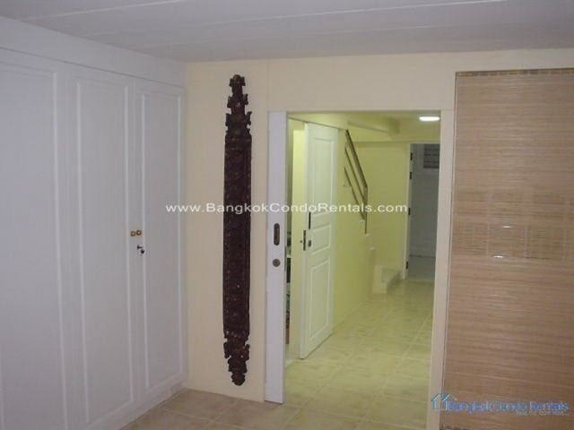 For Rent 3 Beds Townhouse in Khlong Toei, Bangkok, Thailand | Ref. TH-ZTJBHWUJ