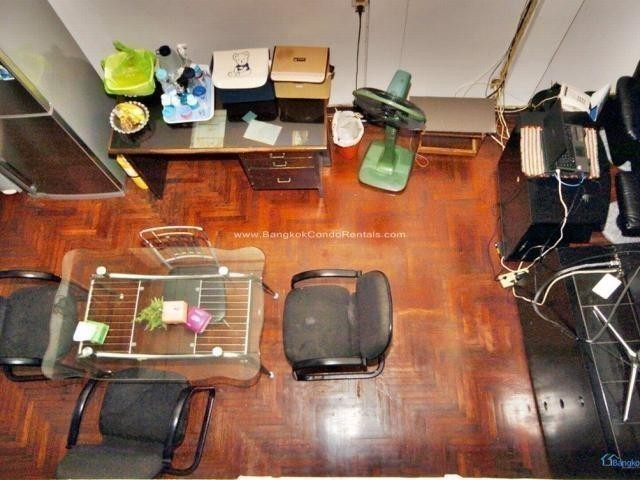 ขาย ทาวน์เฮ้าส์ 5 ห้องนอน คลองเตย กรุงเทพฯ   Ref. TH-PFODYTUF