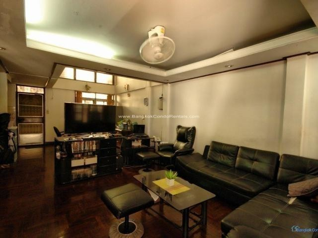 For Sale 5 Beds Townhouse in Khlong Toei, Bangkok, Thailand | Ref. TH-PFODYTUF