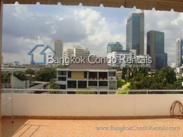 For Sale 5 Beds Townhouse in Khlong Toei, Bangkok, Thailand | Ref. TH-ADGZCYQE
