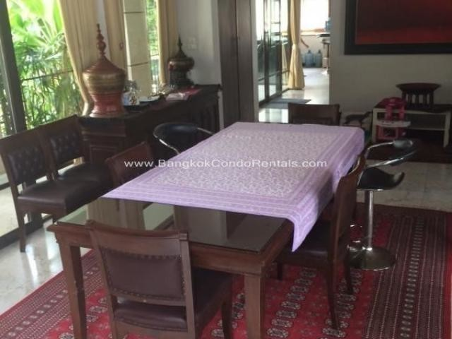 For Sale 4 Beds 一戸建て in Huai Khwang, Bangkok, Thailand | Ref. TH-GWMAETEE