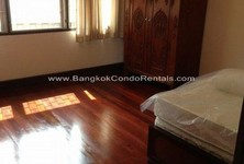 For Rent 3 Beds 一戸建て in Khlong Toei, Bangkok, Thailand