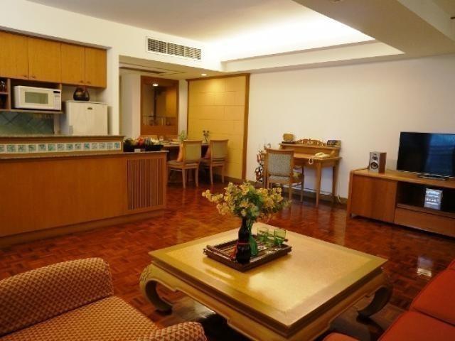 Ploenchit Terrace - В аренду: Кондо с 2 спальнями возле станции BTS Phloen Chit, Bangkok, Таиланд | Ref. TH-THTZJYPG
