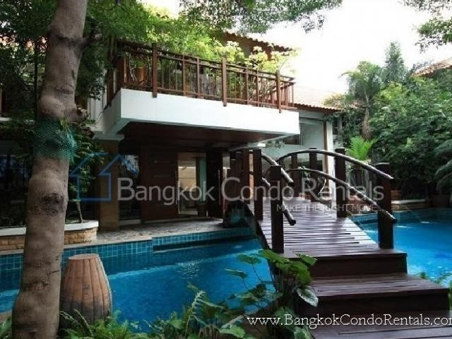 For Sale or Rent 4 Beds House in Khlong Toei, Bangkok, Thailand | Ref. TH-ZBDFVMJE
