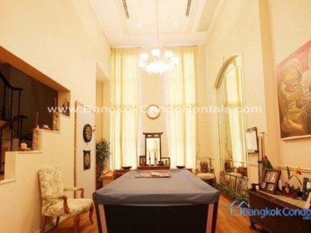 For Rent 4 Beds Townhouse in Khlong Toei, Bangkok, Thailand | Ref. TH-ISVOEVZG