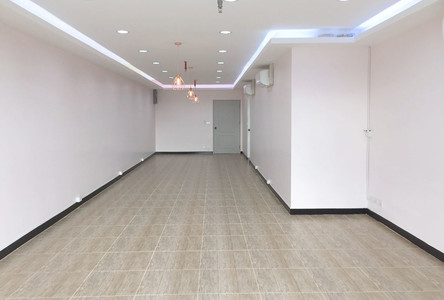 For Rent Office 68 sqm in Bang Rak, Bangkok, Thailand