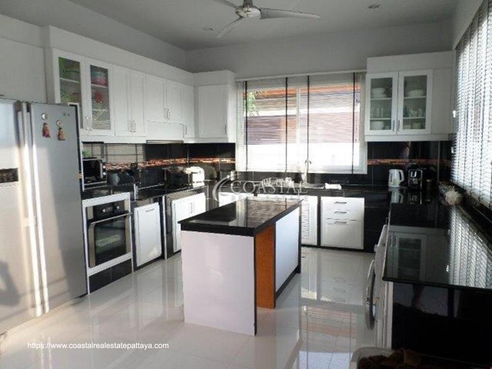 ขาย บ้านเดี่ยว 3 ห้องนอน บางละมุง ชลบุรี | Ref. TH-FVHHIQCO