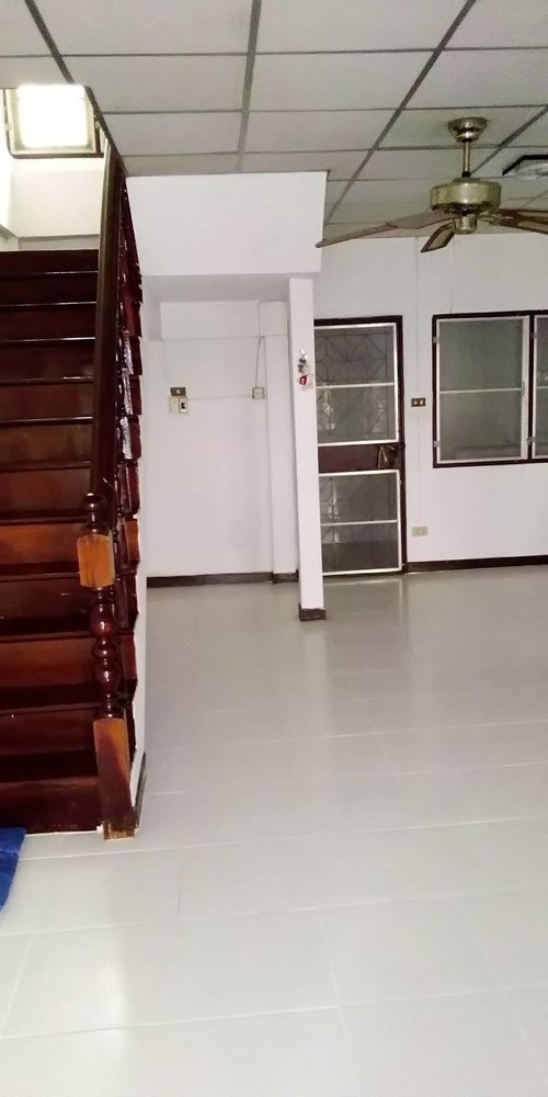 ให้เช่า ทาวน์เฮ้าส์ 2 ห้องนอน ปากเกร็ด นนทบุรี | Ref. TH-QOURAGQG