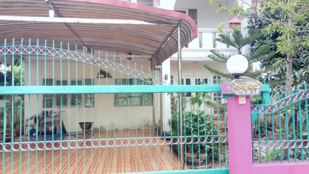 For Sale 3 Beds House in Thawi Watthana, Bangkok, Thailand | Ref. TH-FCCOPDNY