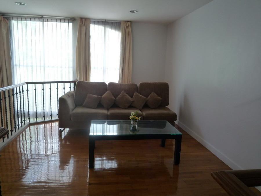 В аренду: Таунхаус c 1 спальней в районе Khlong Toei, Bangkok, Таиланд | Ref. TH-SMLPDWPA