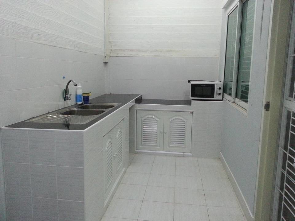 For Sale 3 Beds タウンハウス in Khlong Luang, Pathum Thani, Thailand | Ref. TH-CHOQCKBG