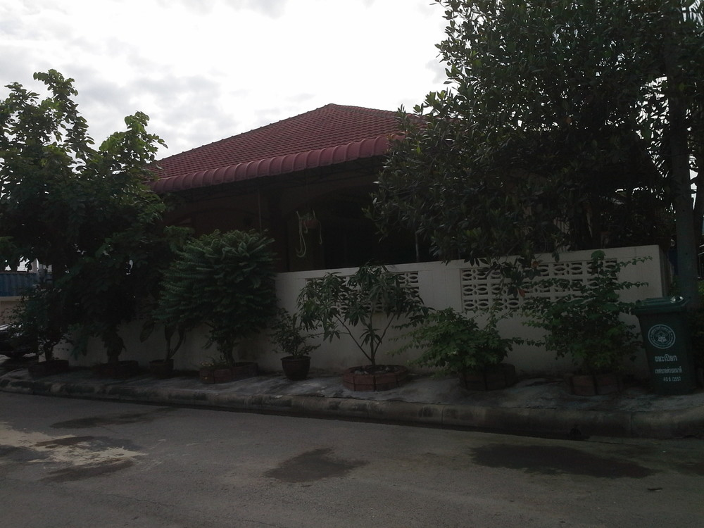 For Sale 3 Beds House in Mueang Samut Sakhon, Samut Sakhon, Thailand | Ref. TH-WYMVVTDM