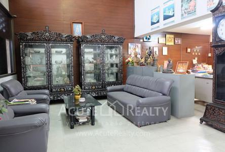 В аренду: Шопхаус 46 кв.м. в районе Bang Rak, Bangkok, Таиланд